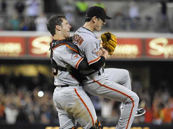 tim-lincecum-threw-a-no-hitter-thanks-to-a-great-diving-catch